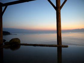 感動の絶景インフィニティ風呂「氷見温泉郷うみあかり」朝は早起きして日の出のチャンスも