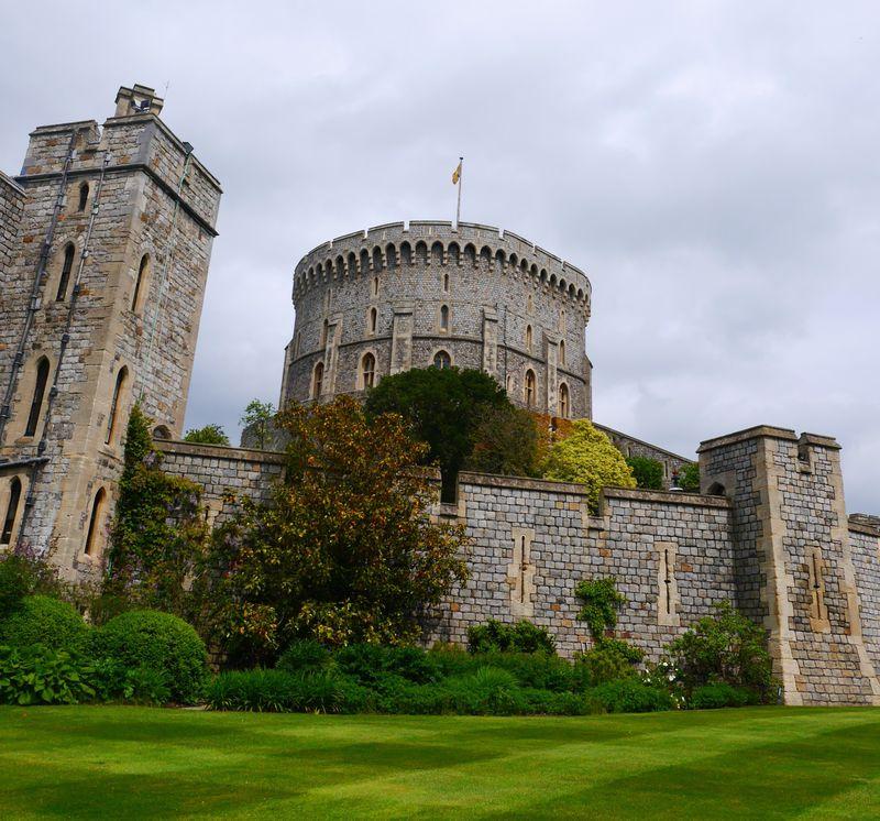 エリザベス女王が住んでいるイギリス「ウィンザー城」に行ってみよう!!