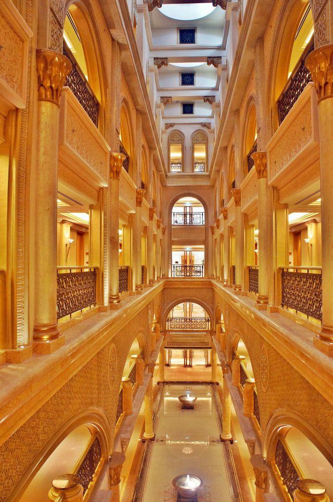 総工費は30億以上!世界一総工費の高いホテルは桁違いの豪華さ