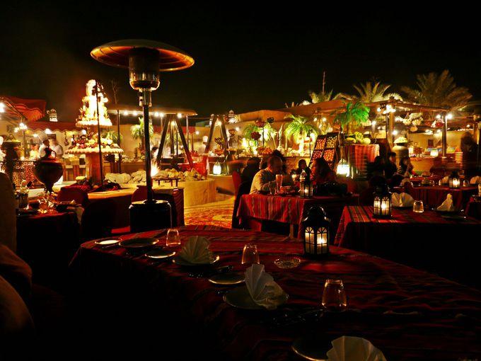 ドバイで人気No1の砂漠のレストラン「アルハディーラ」