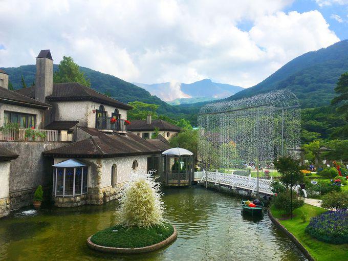 中世ヨーロッパ貴族の別荘庭園を模した園内