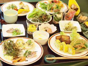 """かなり攻めてるホテルコンチネンタル府中!""""野草料理""""のディナービュッフェがユニークすぎる"""