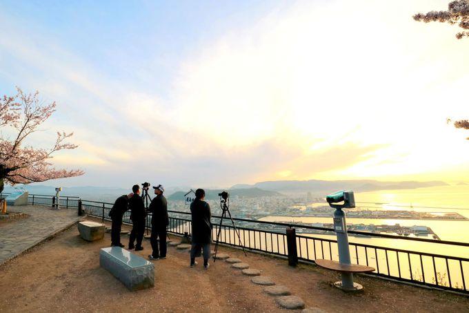 「獅子の霊巌展望台」は夕陽を楽しめるベストスポット