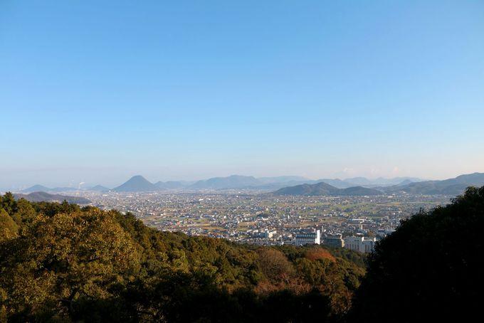 御本宮と、展望台からの景色