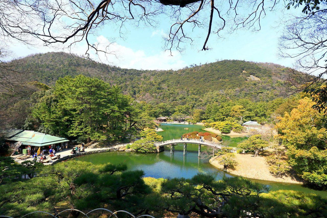 「栗林公園」は香川の代表的な観光スポット