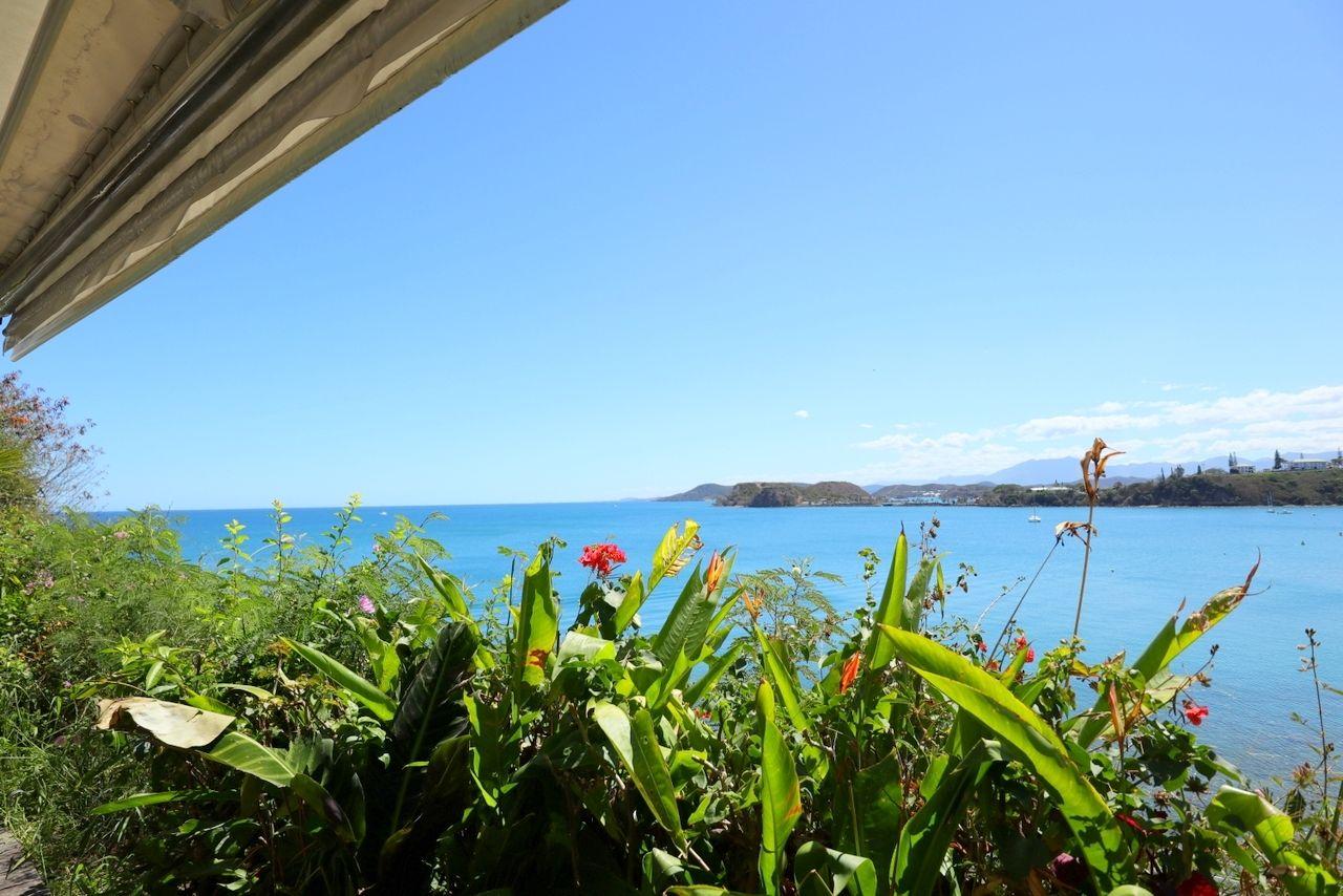 シトロン湾を一望できる絶景!