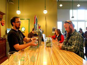 ミネソタ名物の地ビール醸造所「SUMMIT」で味比べ!