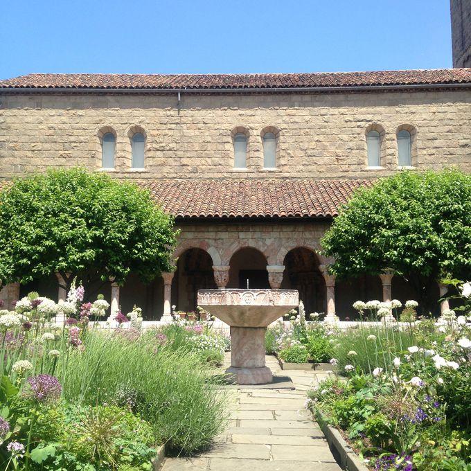 ここはマンハッタン?中世の修道院のような「クロイスター美術館」