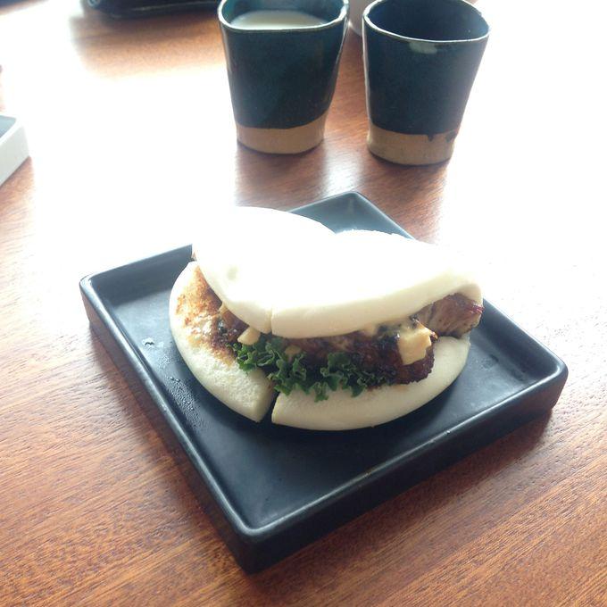 クイーンズのあっさり系ラーメン、「Shuya Cafe de Ramen」
