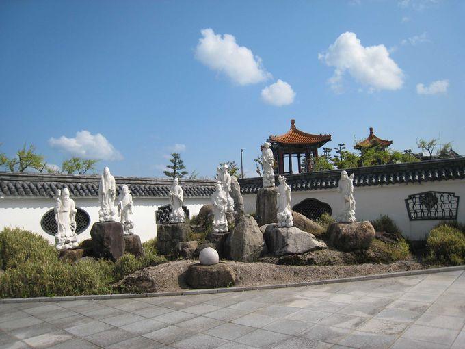 園内の孔子像