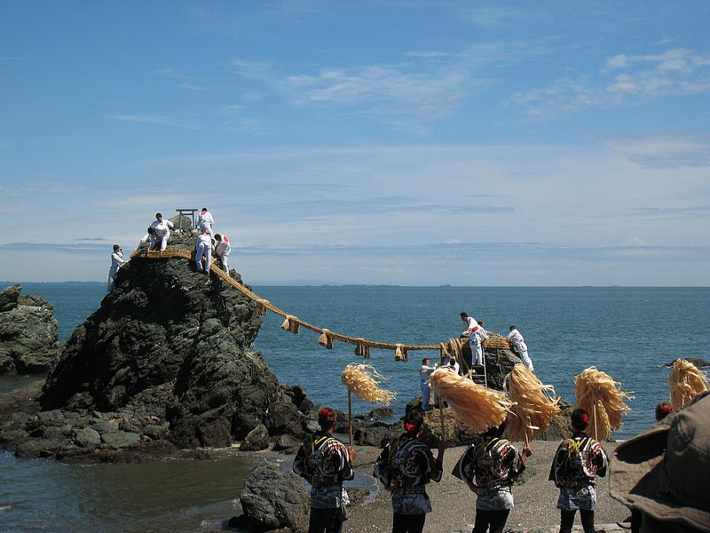 お伊勢参りは二見浦の浜参宮・禊(みそぎ)から!夫婦岩より霊石を拝む
