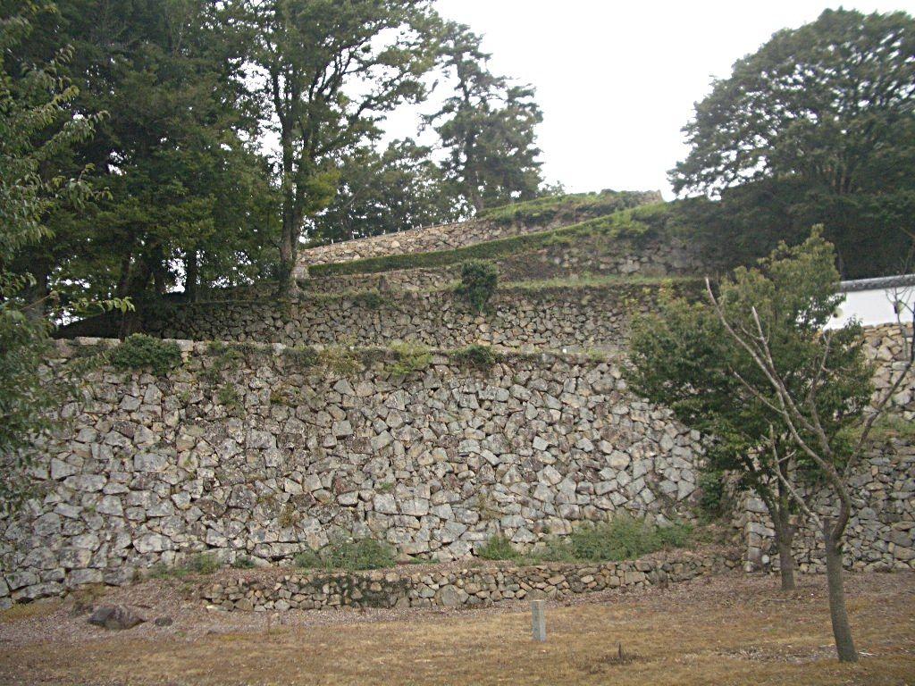 中世の城郭の名残りが素晴らしい!