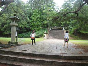 美しい五重塔が聳える山口県・香山公園。音が戻る「うぐいす張りの石畳」って何?