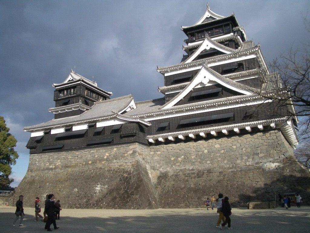 日本三名城・熊本城!大・小の天守閣と石垣が見せる戦国時代の勇姿!