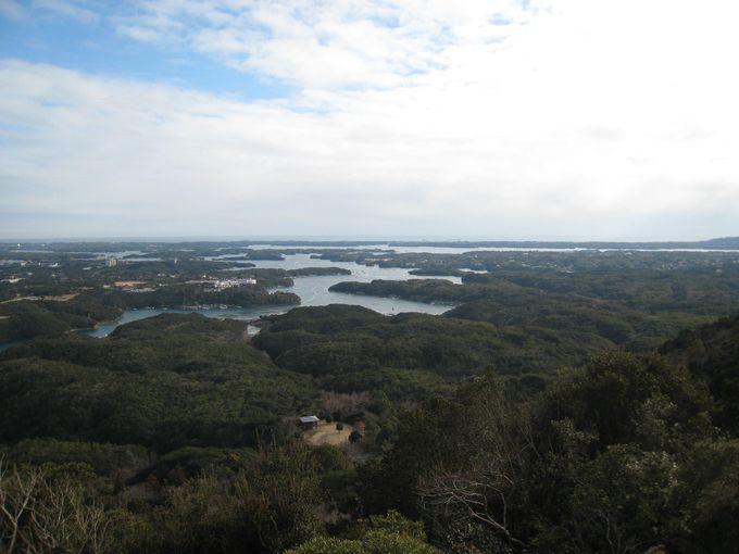 「パノラマ展望台」から英虞湾を望む。