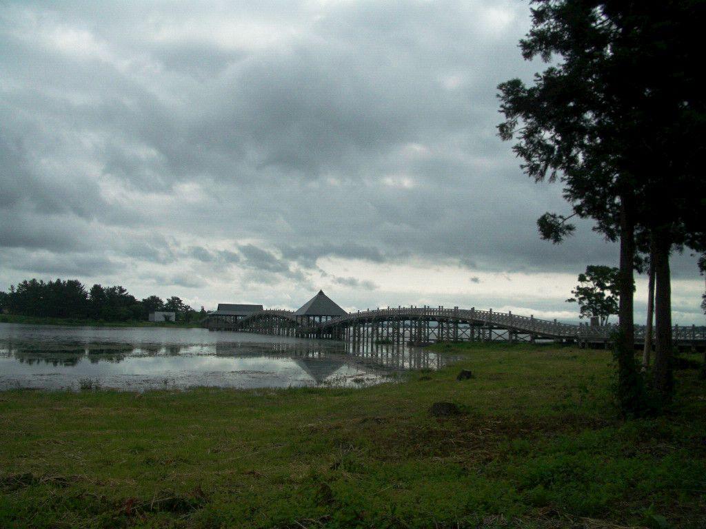 素晴らしい木造の橋脚
