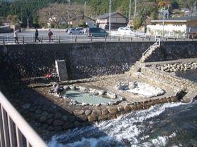 夏こそ行きたい奥津温泉・イオンパワーたっぷりの涼しい足湯|岡山県|トラベルjp<たびねす>