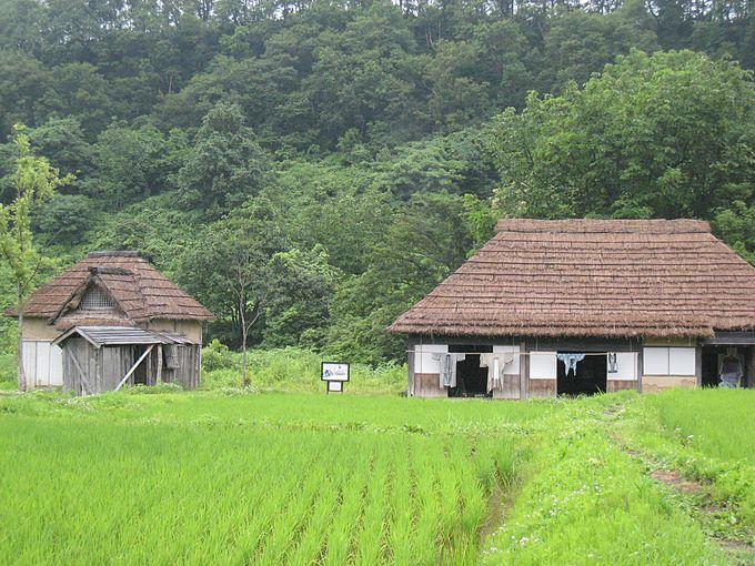 中山町から移築された「おしんの生家」