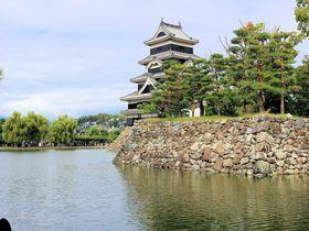アルプスの銀嶺に映える黒の装い!美しく勇壮な国宝「松本城」|長野県|トラベルjp<たびねす>