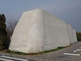 茨城県つくば市に突如現れる謎の要塞「cox(コックス)」|茨城県|トラベルjp<たびねす>
