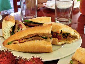 並んでも食べたい!世界一美味しいバインミーフォン(Banh mi Phuong)はホイアンにあり!?