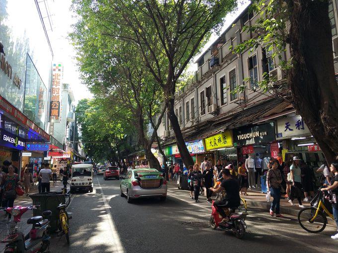 2.広州一有名なレストランが揃う上下九路エリアで激安ショッピング