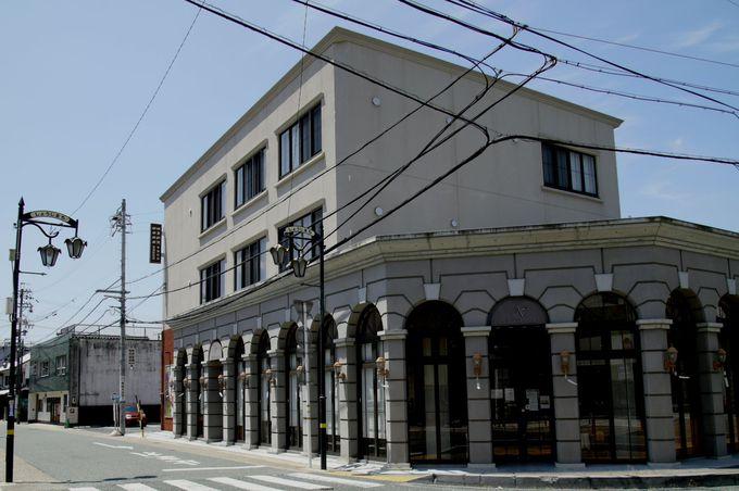 「通り」は、店舗の個性で演出