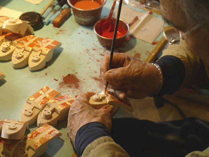 伝統工芸の木曽駒の「絵馬」を守り続ける