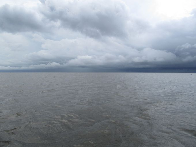 向こう岸が見えない?湖とは思えない広さ!