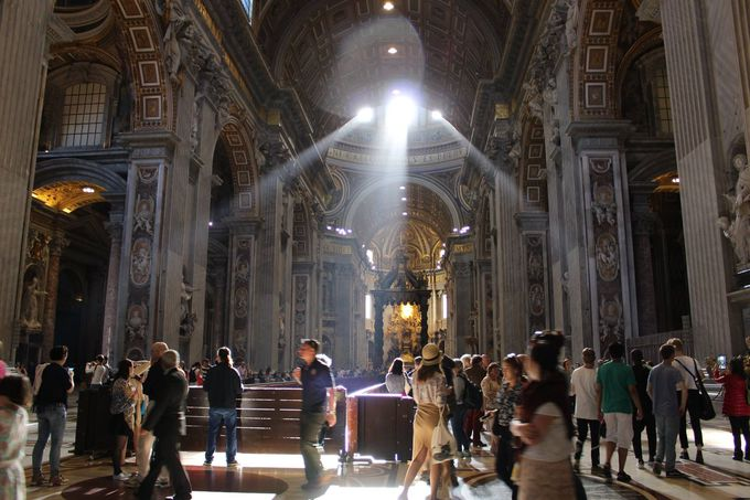 バチカン市国で必訪の有名スポット「サン・ピエトロ大聖堂」