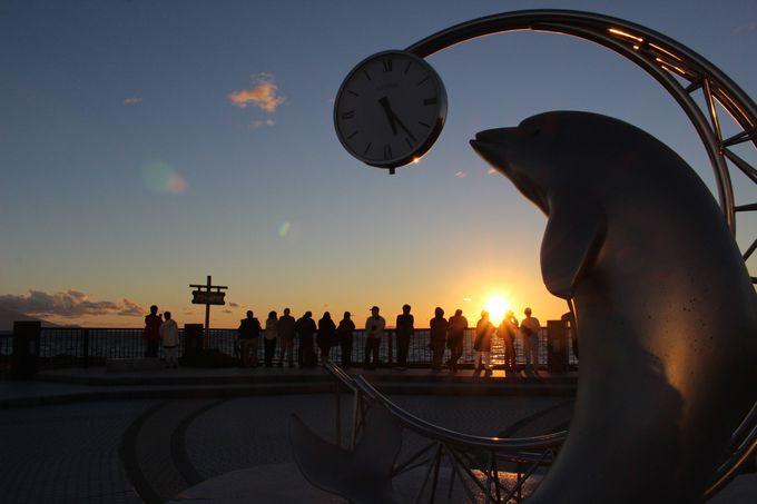 利尻島の傍を沈む夕日が美しい「野寒布岬(ノシャップ岬)」