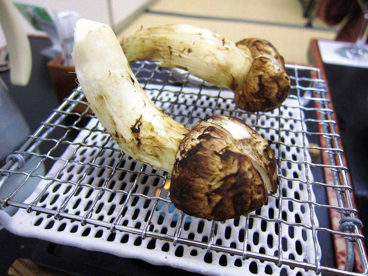 そして、松茸の姿焼き。