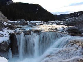 ナイアガラの滝だけじゃない!カナダ・アルバータ州の滝3選