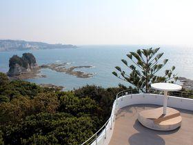 美しい純白の新館から望む海の絶景!和歌山「南方熊楠記念館」が装い新たにリニューアル|和歌山県|トラベルjp<たびねす>