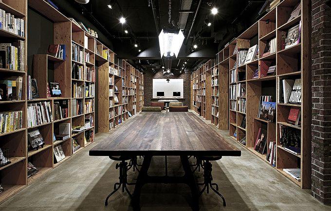 圧巻の2000冊!読み逃してなるものか。