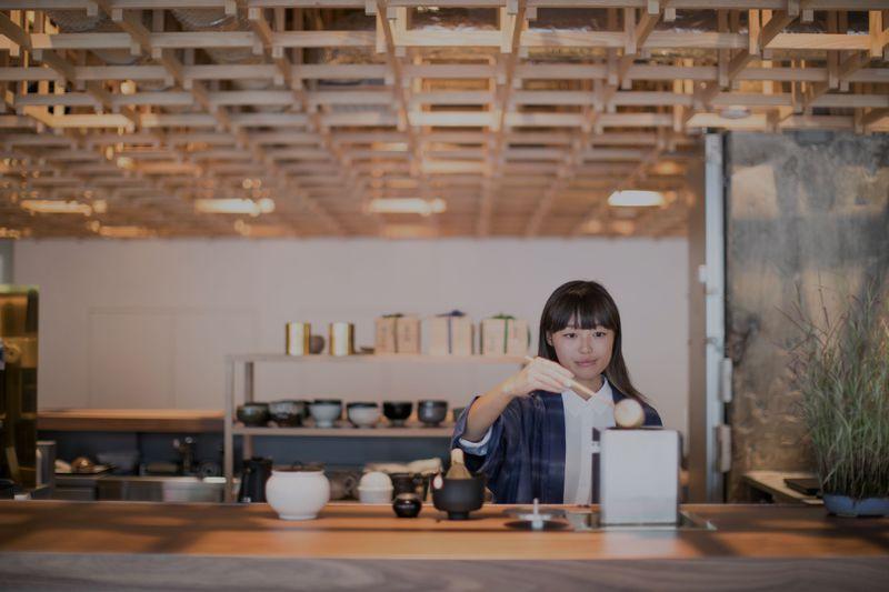 新鋭ホテル「KUMU金沢」で未来に繋ぐ禅と茶の湯に触れる