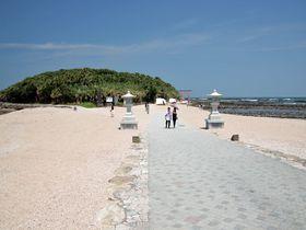 南国宮崎の象徴「青島」 亜熱帯植物の茂る神話伝承の島|宮崎県|トラベルjp<たびねす>
