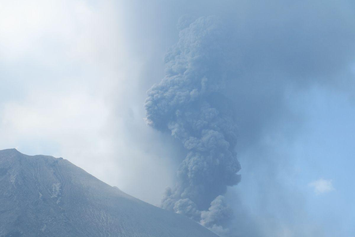 へがふっ!噴煙を上げる活火山を間近に!鹿児島「桜島」観光