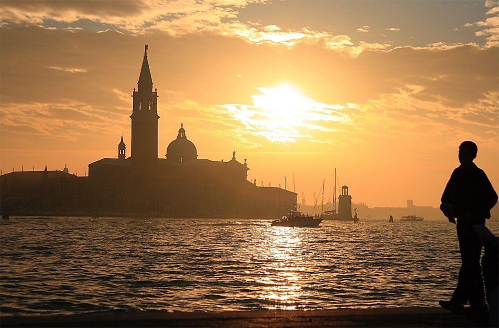 冬のヴェネツィアの魅力2:サン・マルコ寺院の夕暮れ
