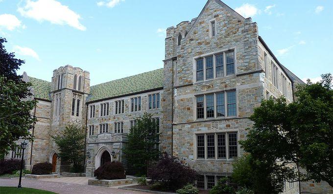ボストン大学(Boston College)