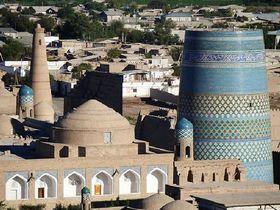 青い空とモスクの国、魅惑のウズベキスタン