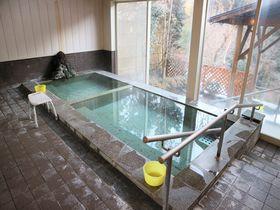群馬・沢渡温泉 足腰に優しい「宮田屋旅館」で一浴玉の肌!