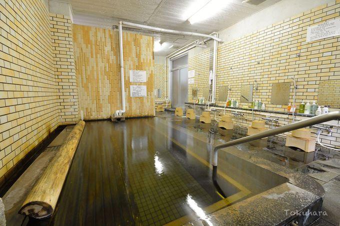 歴史ある人吉温泉に浸かり、美肌の湯を堪能する