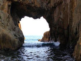 海の女神出現!高知足摺ハート形パワースポット「白山洞門」|高知県|トラベルjp<たびねす>
