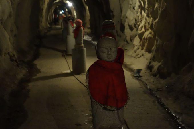 千と千尋のような異次元ワールドへの入り口、マントラ洞窟