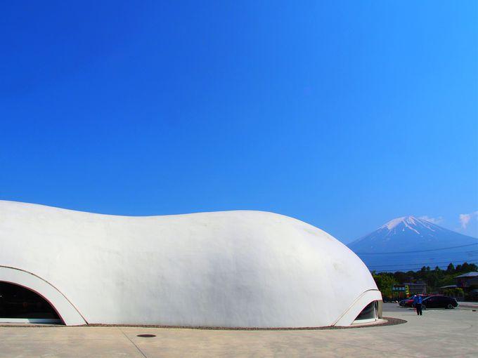 富士山にかかる白い雲がモチーフ
