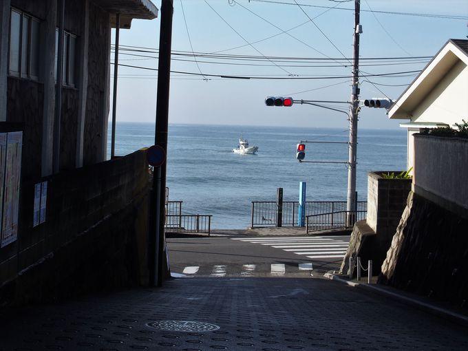 朝食の後は湘南の海まで散策!