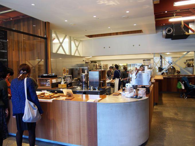 築50年以上の倉庫をリノベーション!広々とした居心地の良いカフェ