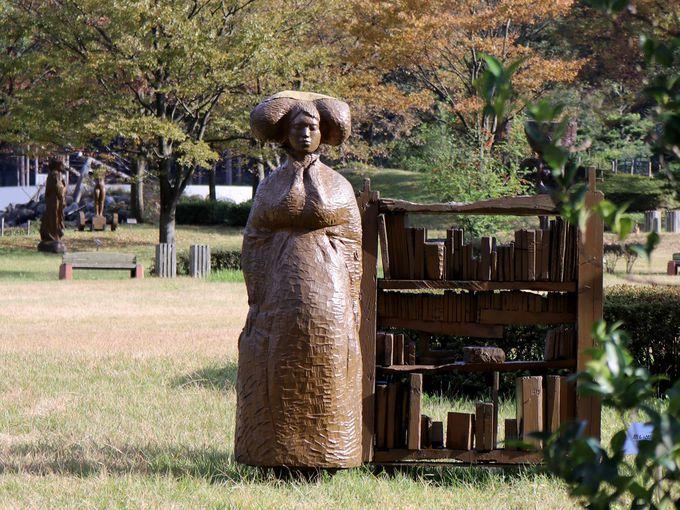 「井波彫刻総合会館」で井波彫刻の歴史と今を学ぶ