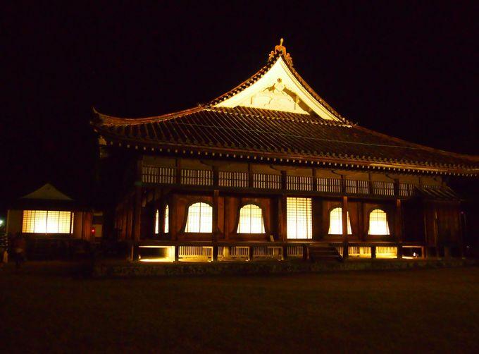 学校建築物として唯一の国宝である講堂